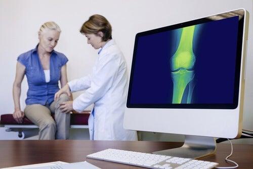 Kobieta u ortopedy