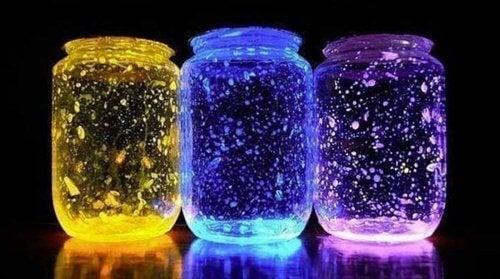 światełka w słoikach