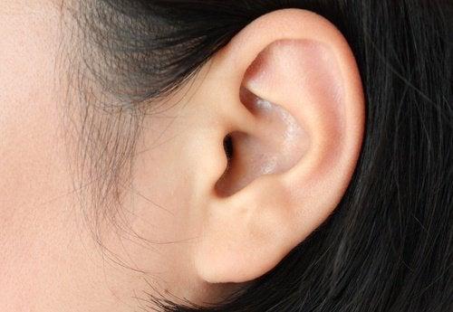 Szum w uchu