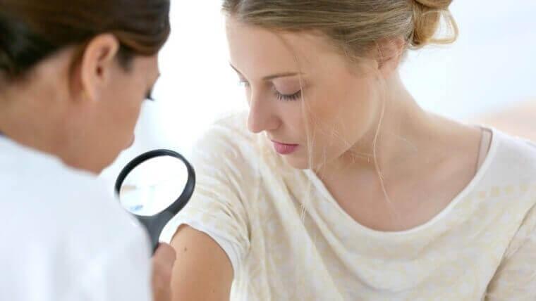 Wizyta u dermatologa