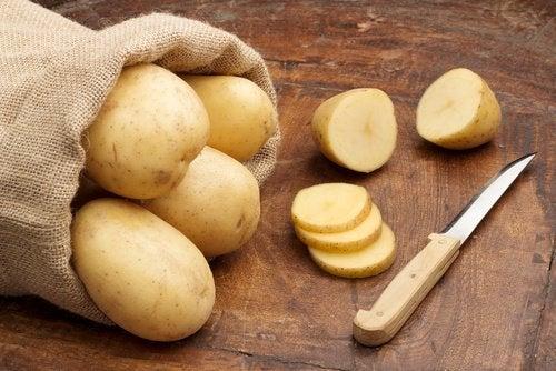 sok z ziemniaków na wrzody