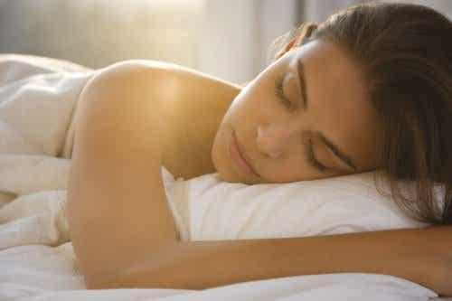 Spanie nago -  Oto siedem korzyści