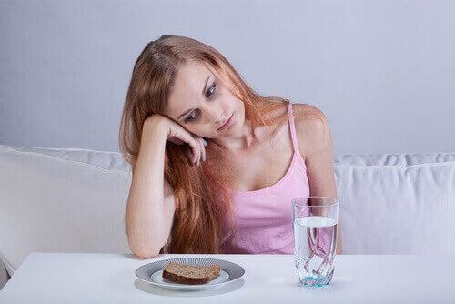Dziewczyna z brakiem apetytu