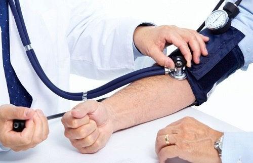 Stetoskop na ręce
