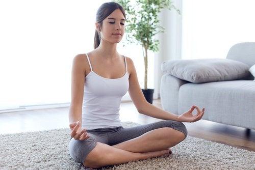 Medytacja na dywanie