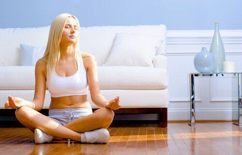 Medytacja na podłodze