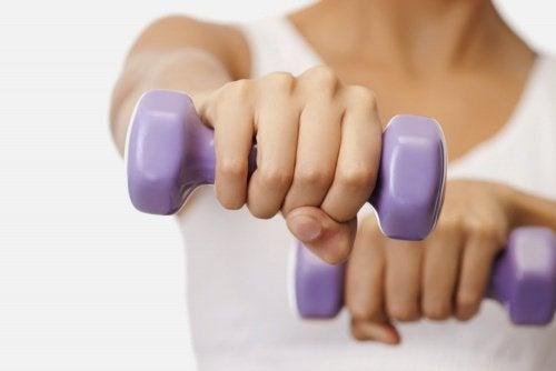Jędrny biust – 5 łatwych ćwiczeń