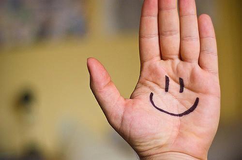 uśmiech na dłoni