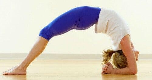 Joga – 5 pozycji redukujących stres