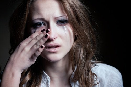 Kobieta i płacz