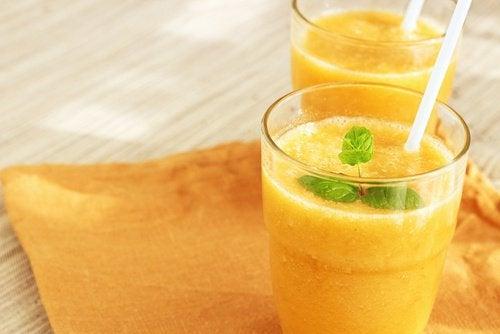 Koktajl z pomarańczy na energię i kondycję