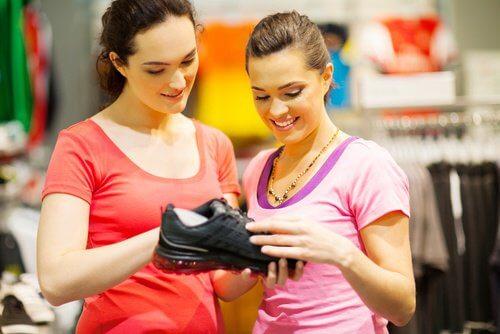 wybierz strój sportowy i ćwicz