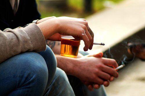 alkohol i paierosy