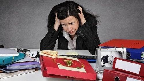 Dziewczyna w biurze
