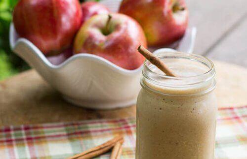 jabłka i koktajl