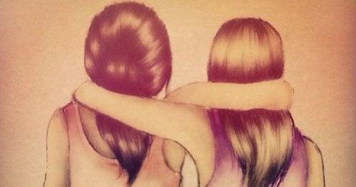 dwie dziewczyny w objęciu