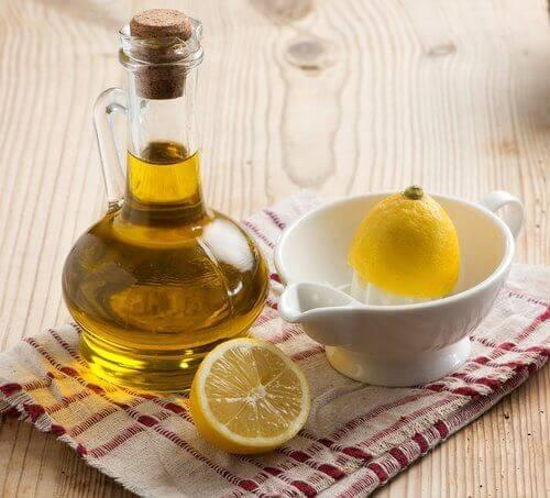 Oliwa z oliwek i cytryna