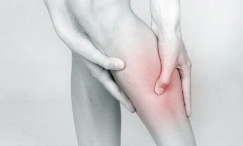 Retencja płynów i wywołany nią ból w nodze