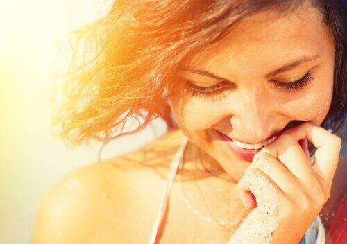 radosna kobieta nie jest zgorzkniała