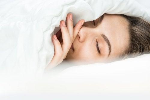 Zdrowy sen – jaka temperatura jest odpowiednia?