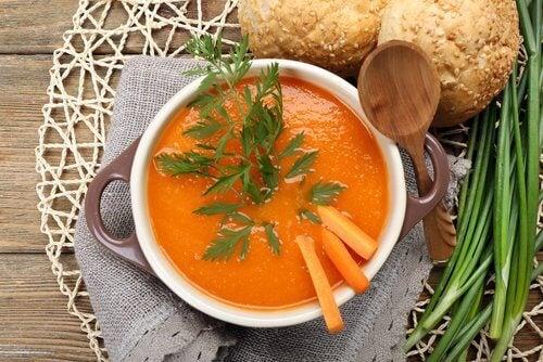 zupa marchwiowa idealna dla osób z chorobą Crohna