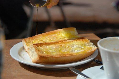 Mikrofalówka: tost z oliwą z oliwek