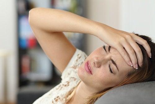 Silny ból głowy