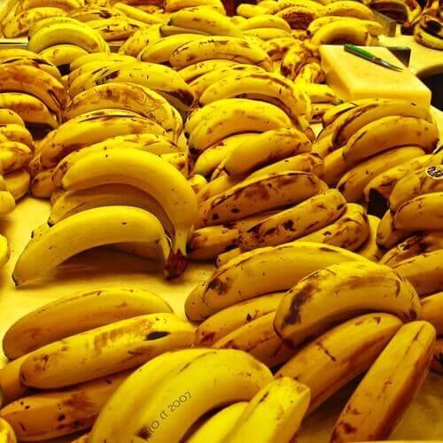 dużo dojrzałych bananów