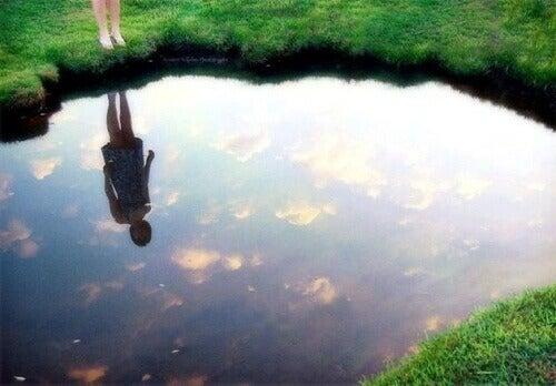 lustro wody