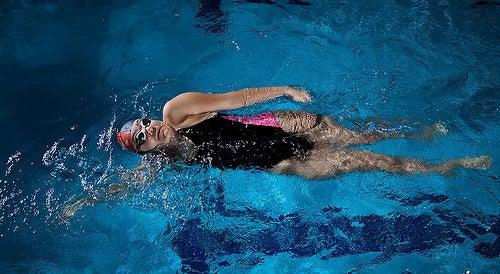 pływanie a stres
