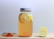 odchudzający tonik z cytryną i kurkumą