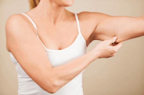 Obwisłe ramiona, a ćwiczenia