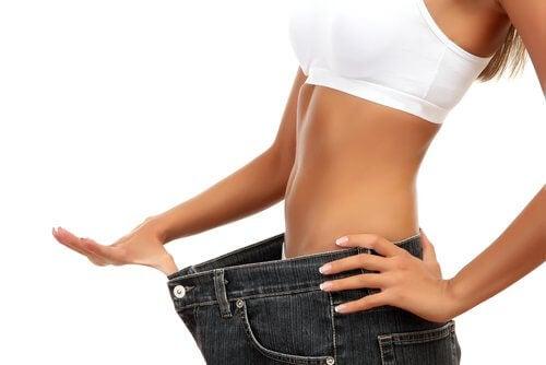Płaski brzuch: odchudzanie i diety odchudzające