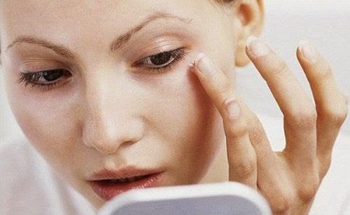 Perfekcyjna skóra twarzy - 8 rzeczy, które powinnaś robić