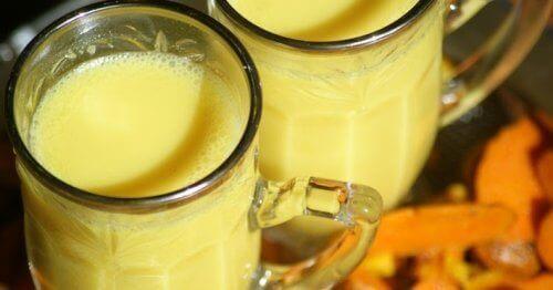 przeciwzapalny napój mleko migdałowe i kurkuma
