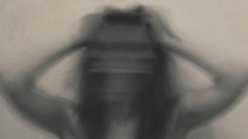 Rozmazany obraz kobiety