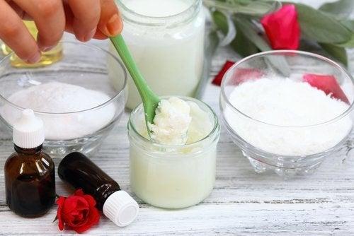 Olej kokosowy i soda oczyszczona