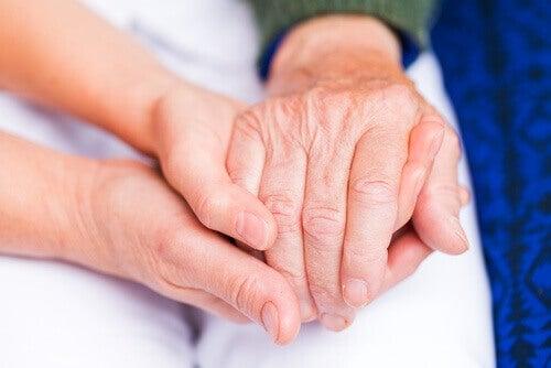 dłonie starca
