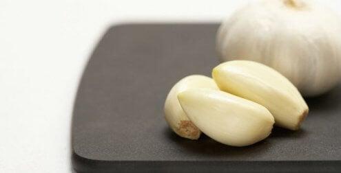 Świeże ząbki czosnku