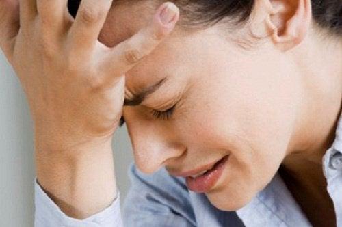 Kobieta: bóle głowy