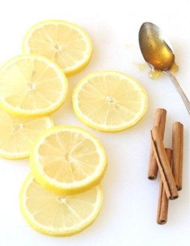Cytryna, miód i cynamon