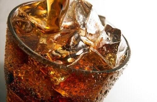 Napoje gazowane źle wpływają na nerki