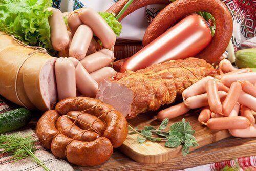 przetworzone mięso nie jest zalecane na bóle stawów