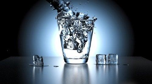 woda z lodem