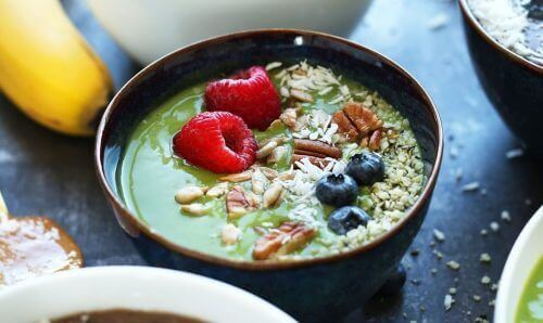 śniadanie, owoce a trójglicerydy