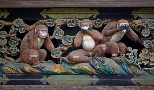 Lekcja życia, której udzielą Ci trzy mądre małpki