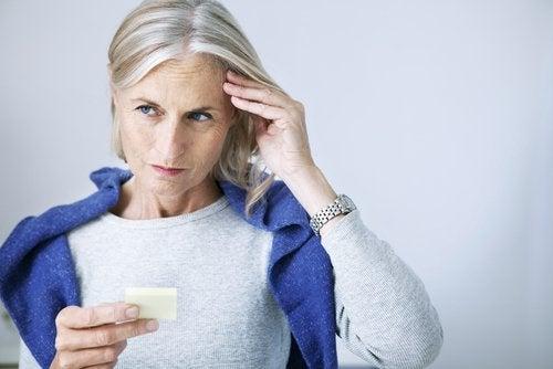 kobieta mająca demencję