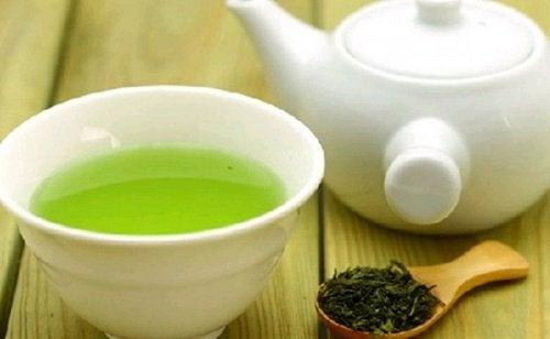 herbata zielona w filiżance