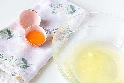 żółtko i białko składnikiem maseczki