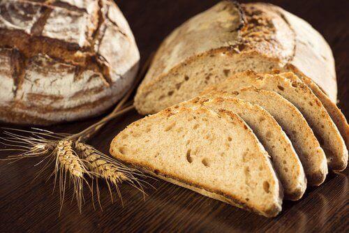 Dieta nie powinna obejmować chleba pełnoziairnistego